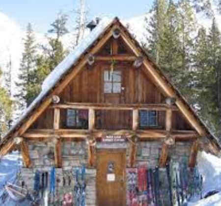 Pear Lake Hut