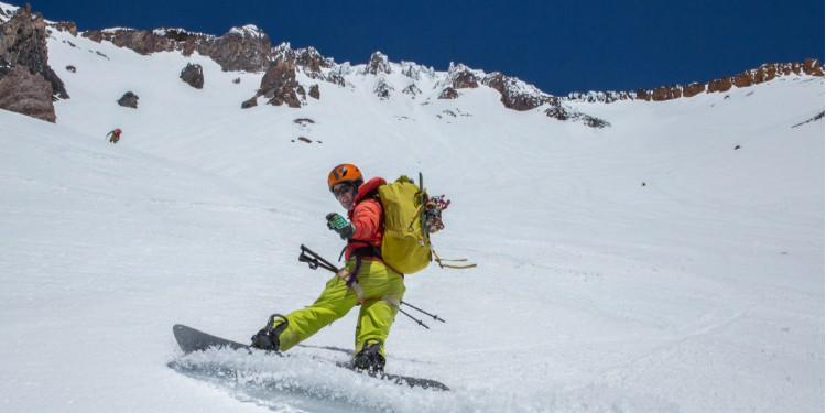 Shasta Avalanche Gulch Snowboarder